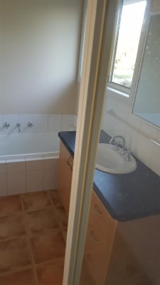 $165, Share-house, 3 bathrooms, Teston Close, Whittlesea VIC 3757