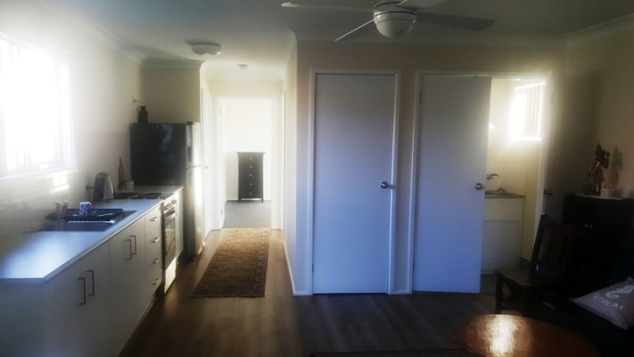 $180, Granny-flat, 1 bathroom, Leatham Avenue, Nowra NSW 2541