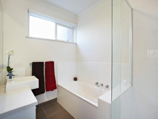 $200, Share-house, 3 bathrooms, Osborne Avenue, Glen Iris VIC 3146