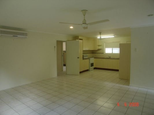 $150, Share-house, 4 bathrooms, Railway Parade, Glass House Mountains QLD 4518