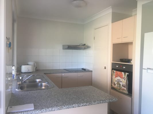 $145, Flatshare, 3 bathrooms, Plaza Street, Wynnum West QLD 4178