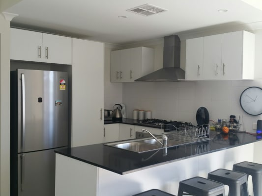 $360, Whole-property, 3 bathrooms, Charnley Bend, Success WA 6164