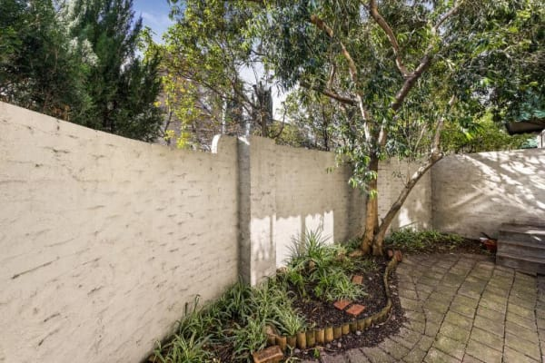 $220, Flatshare, 3 bathrooms, Toorak Road West, South Yarra VIC 3141