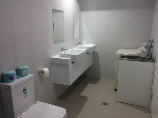 $260, Granny-flat, 1 bathroom, Taunton Street, Annerley QLD 4103