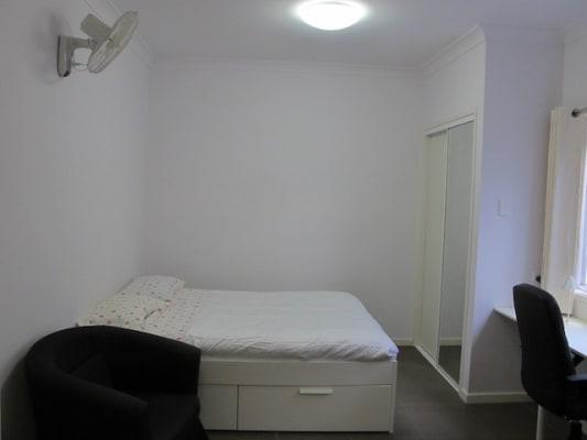 $340, Studio, 1 bathroom, Abingdon Street, Woolloongabba QLD 4102