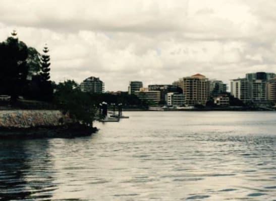 $400, Whole-property, 2 bathrooms, Wynnum Road, East Brisbane QLD 4169