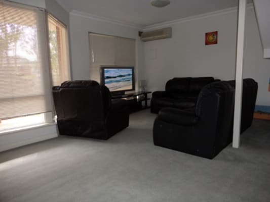 $180, Share-house, 3 bathrooms, Canning Highway, Victoria Park WA 6100