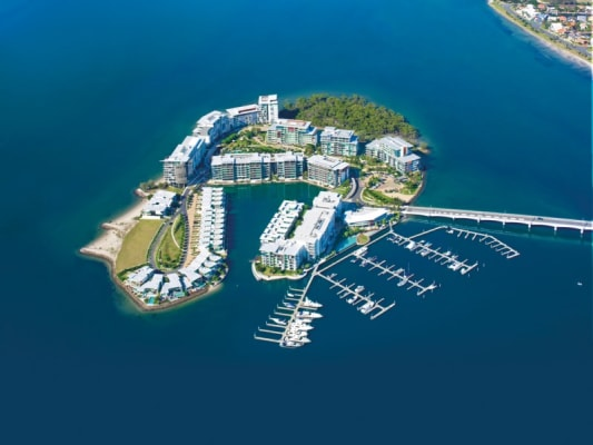$280, Flatshare, 2 bathrooms, Ephraim Island Parade, Paradise Point QLD 4216