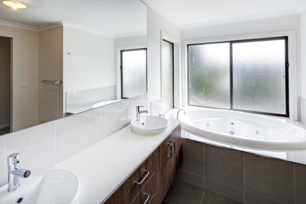 $330, Share-house, 6 bathrooms, Gillard Street, Burwood VIC 3125