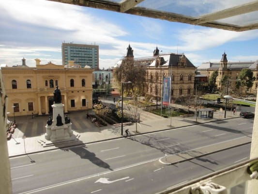 $175, Student-accommodation, 4 bathrooms, North Terrace, Adelaide SA 5000