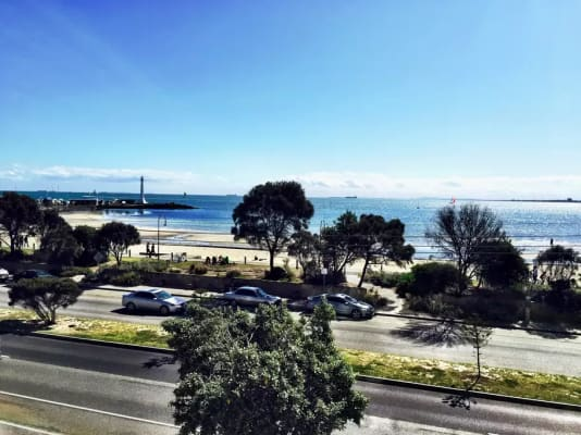 $275, Flatshare, 2 bathrooms, Marine Parade, Saint Kilda VIC 3182
