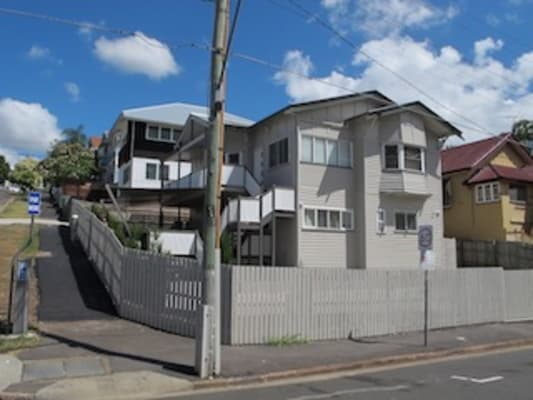 $350, Studio, 1 bathroom, Water Street, Spring Hill QLD 4000