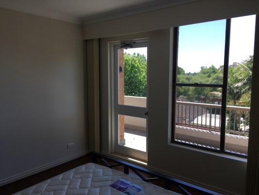 $350, Flatshare, 2 bathrooms, Falcon Street, Crows Nest NSW 2065