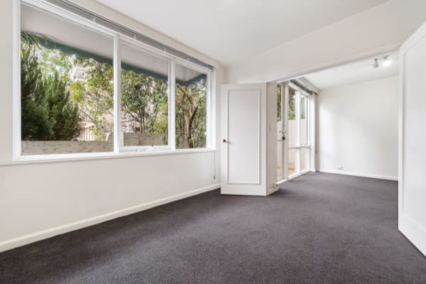 $90, Flatshare, 3 bathrooms, Toorak Road West, South Yarra VIC 3141