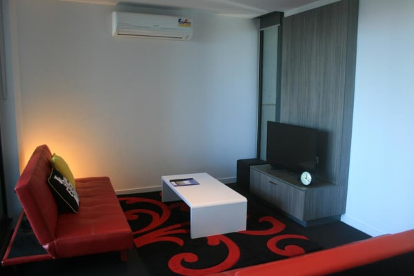 $650, Whole-property, 2 bathrooms, Spencer Street, Melbourne VIC 3000
