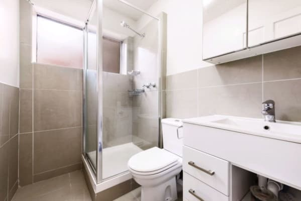 $160, Flatshare, 2 bathrooms, Hopetoun Avenue, Brunswick West VIC 3055