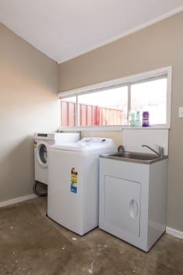 $200, Share-house, 3 bathrooms, Tilga Street, Canowindra NSW 2804