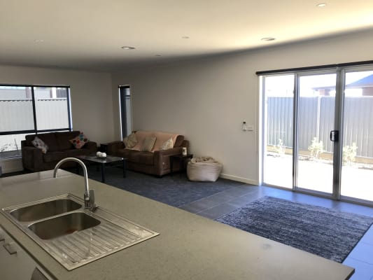 $160, Share-house, 3 bathrooms, Daly Drive, Lucas VIC 3350