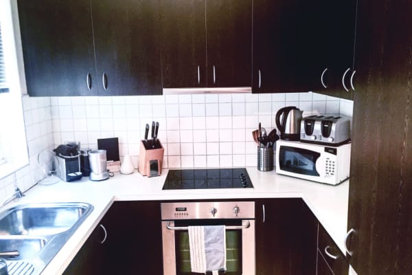 $212, Flatshare, 2 bathrooms, Spring Street, Prahran VIC 3181