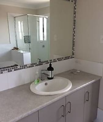 $155, Flatshare, 2 bathrooms, Obrien Street, Harlaxton QLD 4350