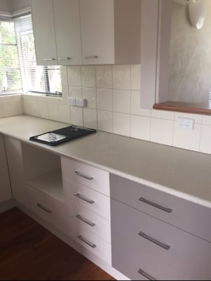 $320, Whole-property, 3 bathrooms, Schubach Street, East Albury NSW 2640