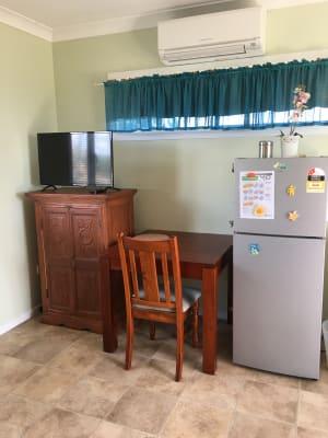 $175, Studio, 1 bathroom, Stokes Court, Summerholm QLD 4341