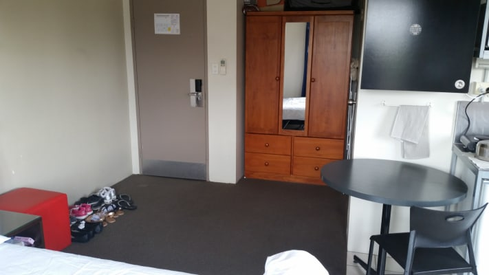 $250, Studio, 1 bathroom, Ipswich Road, Woolloongabba QLD 4102