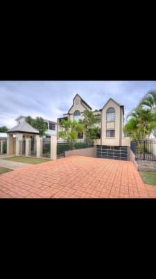 $210, Flatshare, 2 bathrooms, Sportsman Avenue, Mermaid Beach QLD 4218