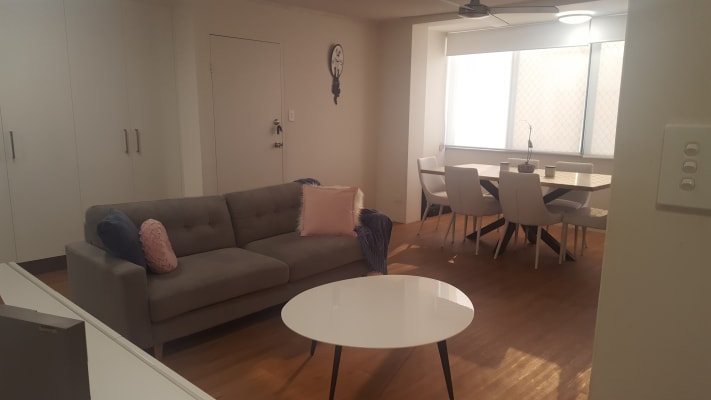 $250, Flatshare, 2 bathrooms, Second Avenue, Broadbeach QLD 4218