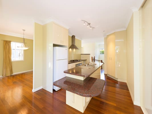 $165, Share-house, 5 bathrooms, Newbolt Street, Holland Park QLD 4121