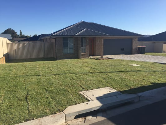 $120, Share-house, 4 bathrooms, Graham Drive, Kelso NSW 2795