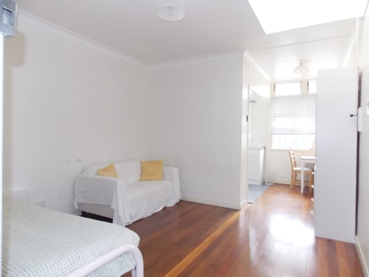 $180, Share-house, 6 bathrooms, High Street, Highgate Hill QLD 4101