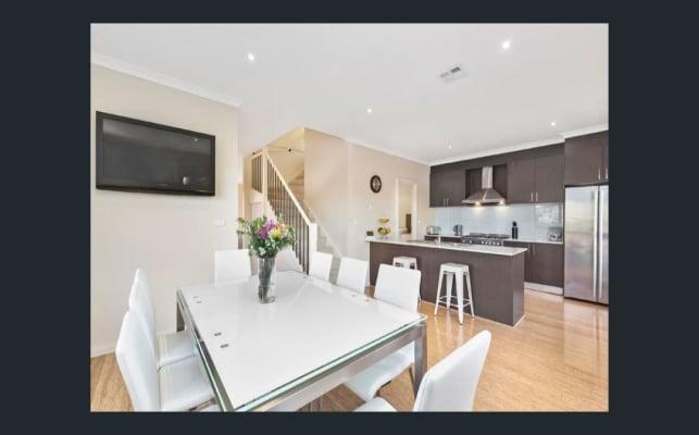 $200, Share-house, 3 bathrooms, Shelley Street, Keilor East VIC 3033