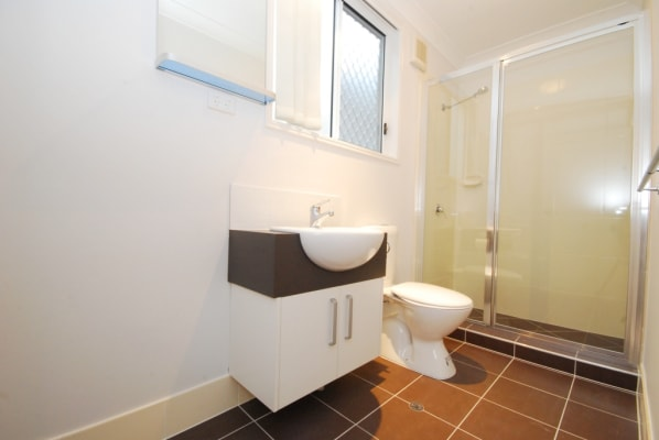 $200, Student-accommodation, 1 bathroom, Vine Street, Greenslopes QLD 4120