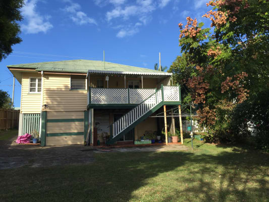 $250, Share-house, 2 bathrooms, Cavendish Road, Holland Park QLD 4121