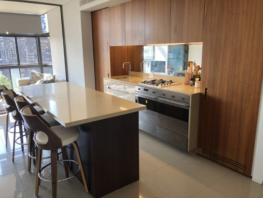 $350, Flatshare, 2 bathrooms, Park Lane, Chippendale NSW 2008