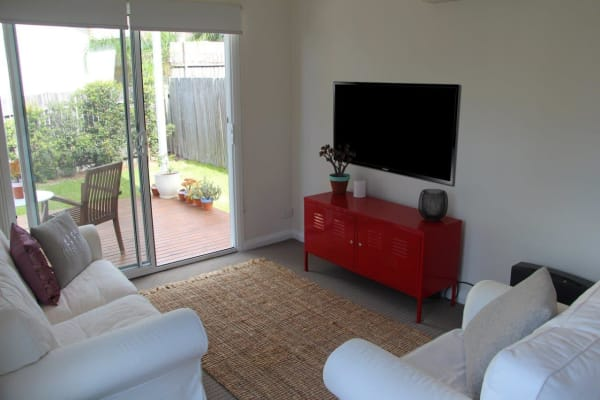 $400, Whole-property, 1 bathroom, Stella Street, Collaroy Plateau NSW 2097