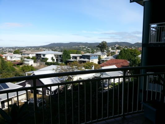 $190, Student-accommodation, 1 bathroom, Musgrave Road, Red Hill QLD 4059