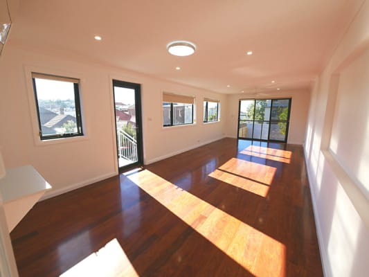 $500, Flatshare, 3 bathrooms, Brook Street, Coogee NSW 2034
