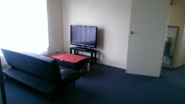 $115, Flatshare, 2 bathrooms, Hobbs Street, Seddon VIC 3011