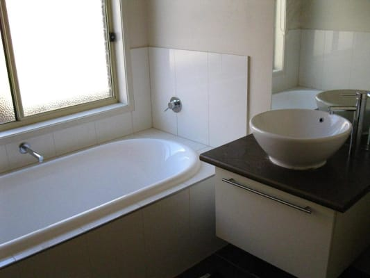 $115, Share-house, 4 bathrooms, Viola Avenue, Point Cook VIC 3030