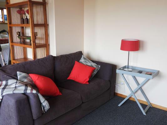 $220, Student-accommodation, 1 bathroom, Knocklofty Terrace, West Hobart TAS 7000