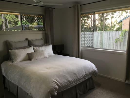 $250, Share-house, 3 bathrooms, Crescent Avenue, Hope Island QLD 4212