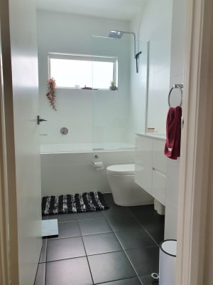 $250, Share-house, 3 bathrooms, Main Road, Fennell Bay NSW 2283