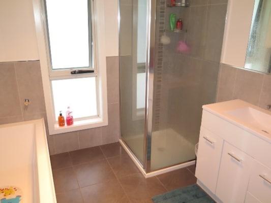 $163, Flatshare, 2 bathrooms, Duke Street, West Launceston TAS 7250
