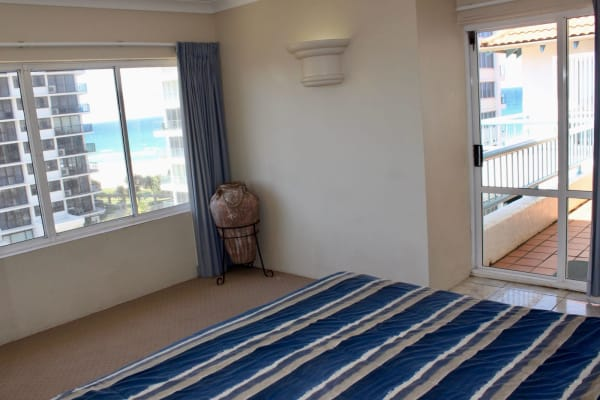 $160-180, Student-accommodation, 2 rooms, Old Burleigh Road, Surfers Paradise QLD 4217, Old Burleigh Road, Surfers Paradise QLD 4217