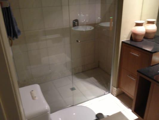 $180, Share-house, 3 bathrooms, Elliott Street, Surfers Paradise QLD 4217