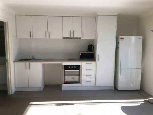 $250, Studio, 1 bathroom, Hargreaves Road, Coolbellup WA 6163