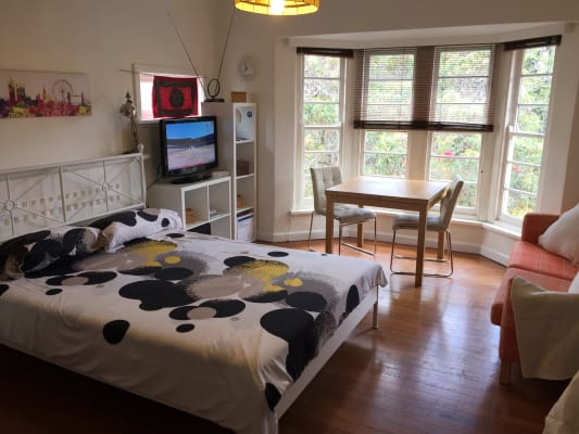 $330, Flatshare, 3 bathrooms, Alma Road, Saint Kilda East VIC 3183