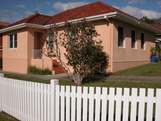 $275, Share-house, 3 bathrooms, Fromelles Avenue, Seaforth NSW 2092